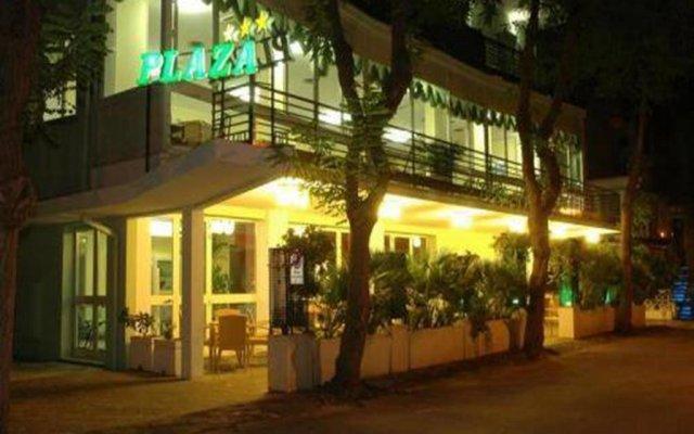 Hotel Plaza вид на фасад