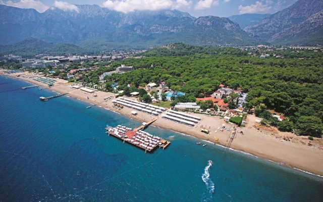 Отель Kemer Holiday Club пляж