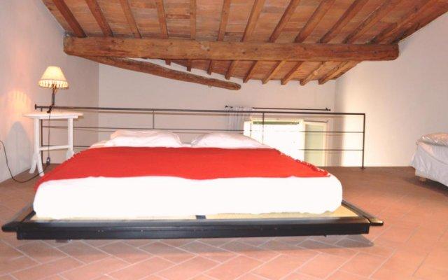 Отель Panoramic Suite San Lorenzo Near Duomo сейф в номере