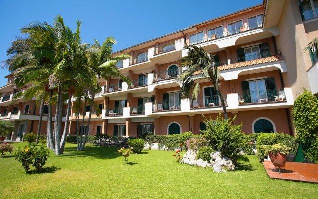 Hotel Caparena Таормина