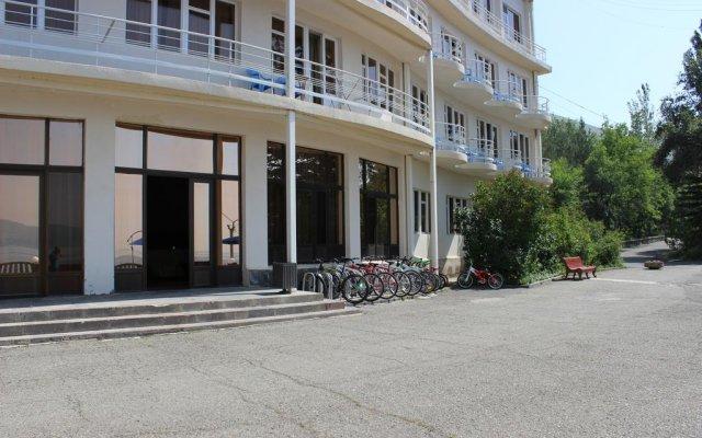 Гостиничный комплекс Голубой Севан вид на фасад