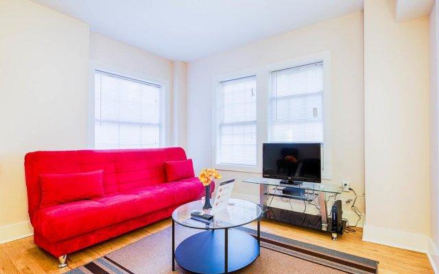 Отель Ginosi Dupont Circle Apartel комната для гостей