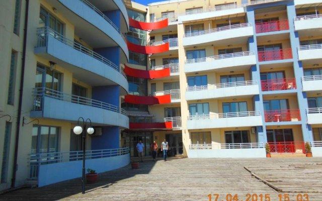 Апартаменты Central Plaza Apartment Солнечный берег вид на фасад