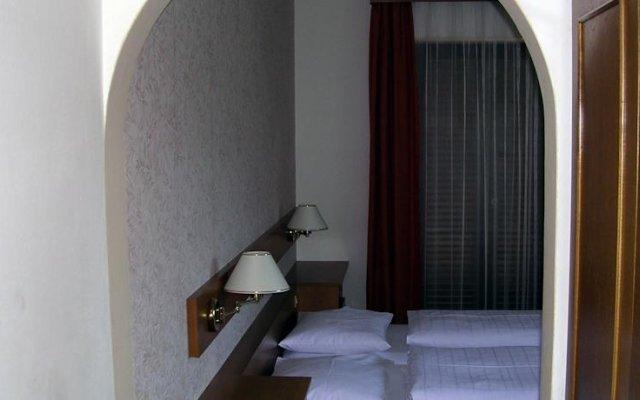 Отель Gastehaus Ortgut, Fam. Kerschbamer Лана комната для гостей