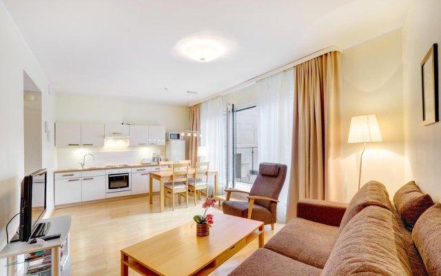 Отель Apartment24 Foorum Таллин комната для гостей
