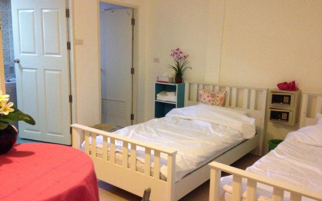 Отель Svea's Sea View Guesthouse Таиланд, Пхукет - отзывы, цены и фото номеров - забронировать отель Svea's Sea View Guesthouse онлайн комната для гостей