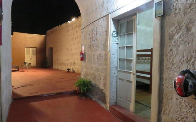 Lion AQP hostel 0