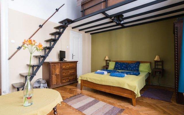 Home Made Hostel комната для гостей