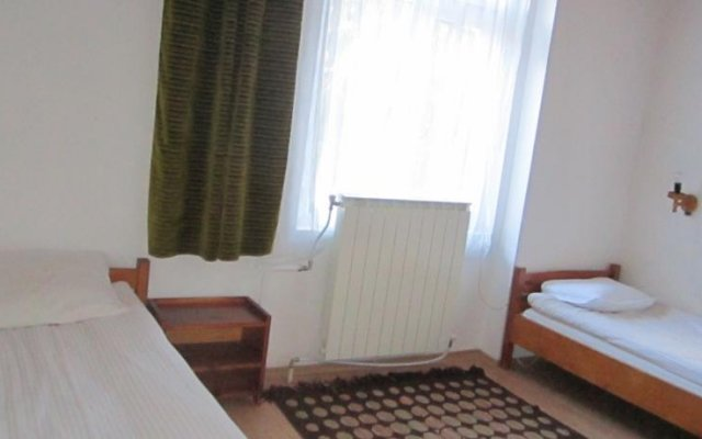 Отель Pri Voivodite Guest House Банско комната для гостей