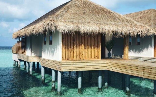 Отель Kudafushi Resort and Spa