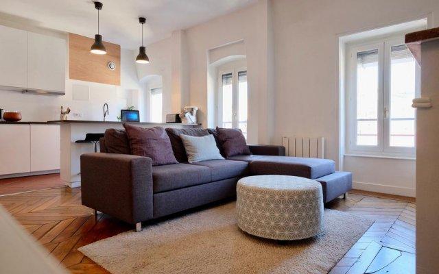 Отель Appartements Bellecour - Riva Lofts & Suites Франция, Лион - отзывы, цены и фото номеров - забронировать отель Appartements Bellecour - Riva Lofts & Suites онлайн комната для гостей
