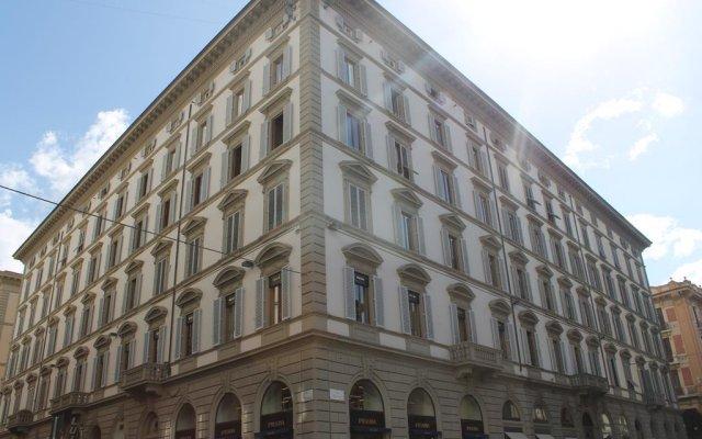 Отель ViaRoma Suites - Florence вид на фасад