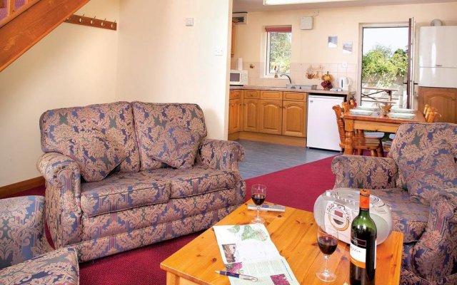 Отель York Lakeside Lodges комната для гостей