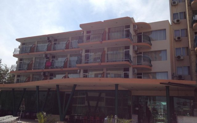 Hotel Arda вид на фасад