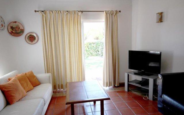 Отель Villa Dantas by amcf Португалия, Виламура - отзывы, цены и фото номеров - забронировать отель Villa Dantas by amcf онлайн комната для гостей