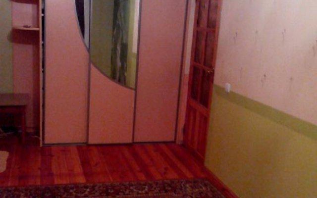 Apartment on Voronyanskogo 11