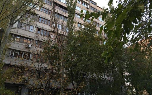Koghbatsi Apartments 1