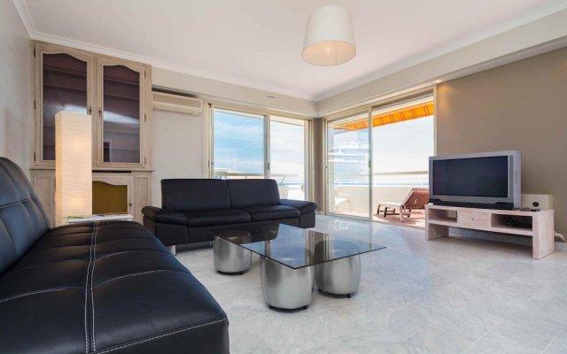 Отель La Vue Mer - 3 Chambres - Lanterne Франция, Ницца - отзывы, цены и фото номеров - забронировать отель La Vue Mer - 3 Chambres - Lanterne онлайн комната для гостей
