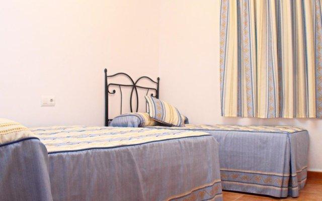 Отель Chalet Arroyo Испания, Кониль-де-ла-Фронтера - отзывы, цены и фото номеров - забронировать отель Chalet Arroyo онлайн комната для гостей