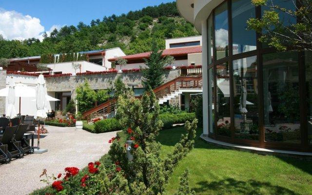 Отель Park Hotel Pirin Болгария, Сандански - отзывы, цены и фото номеров - забронировать отель Park Hotel Pirin онлайн вид на фасад
