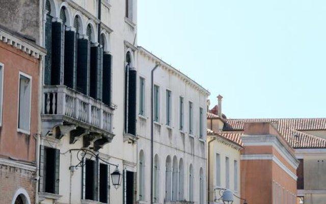 Отель Riva De Biasio вид на фасад