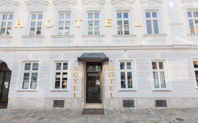Отель Schwalbe - Low Budget Австрия, Вена - отзывы, цены и фото номеров - забронировать отель Schwalbe - Low Budget онлайн вид на фасад