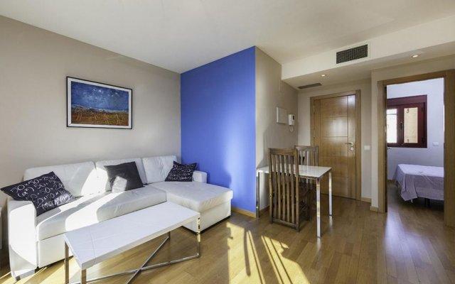 Отель Apartamentos Atocha Испания, Мадрид - отзывы, цены и фото номеров - забронировать отель Apartamentos Atocha онлайн комната для гостей