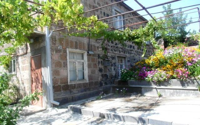 Отель B&B Ruzan вид на фасад