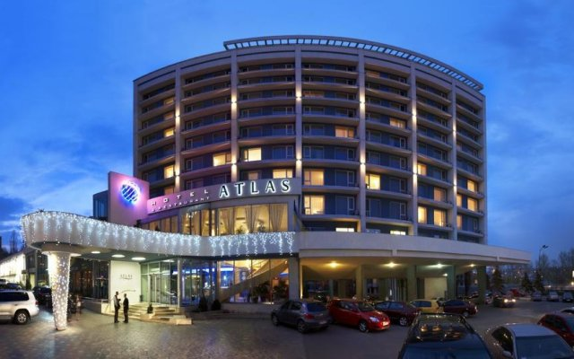 Ramada Donetsk Hotel вид на фасад