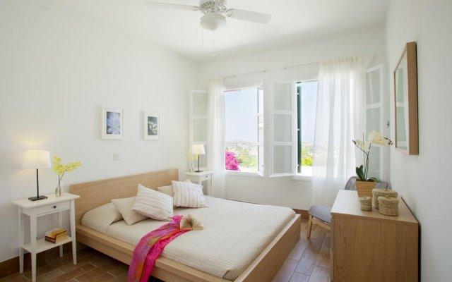 Отель Ayios Elias Pearl комната для гостей