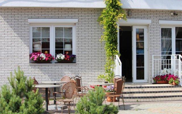 Гостиница Янтарный Сезон вид на фасад