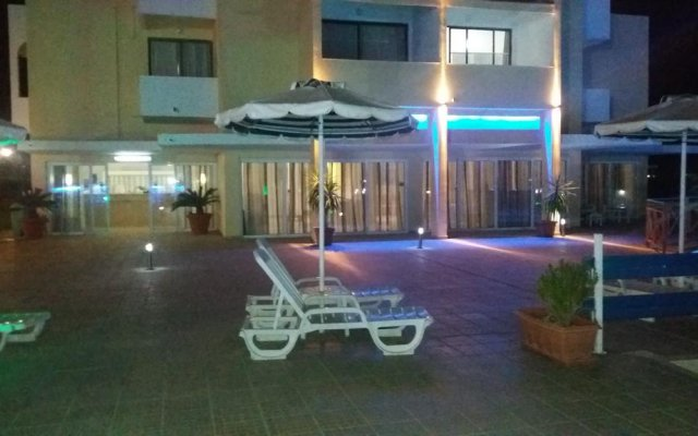 Angelos Beach Hotel вид на фасад