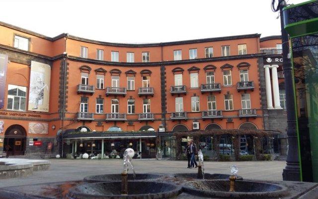 Апартаменты на улице Абовяна вид на фасад