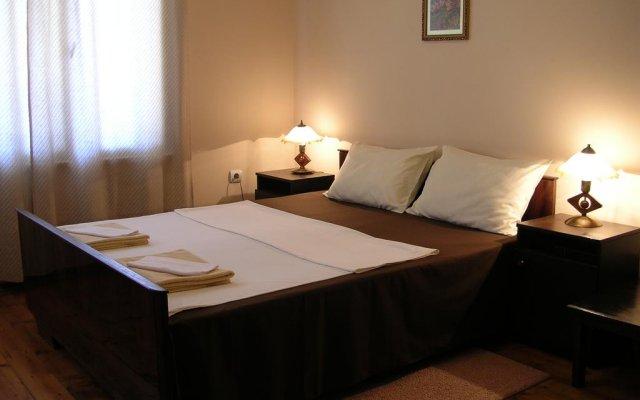 Отель Guest Rooms Zelenka Велико Тырново комната для гостей