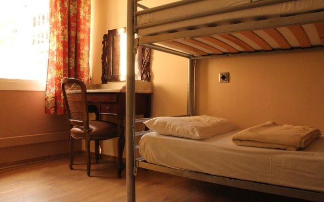 Pars Teatro Hostel (ex. Albareda Youth Hostel) Барселона комната для гостей