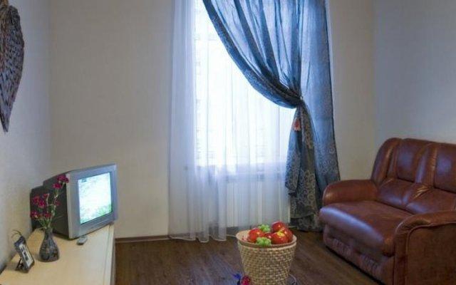 Апартаменты Studio at Greek Street комната для гостей