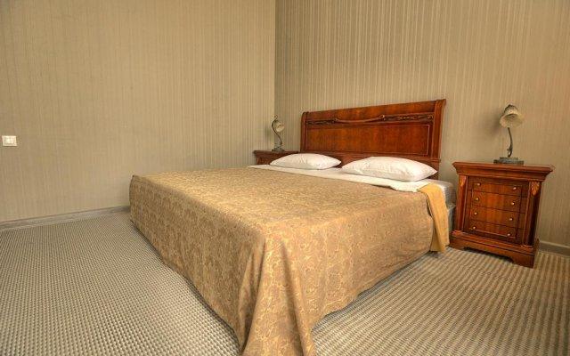 Ritsa Hotel 1
