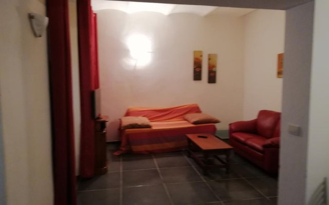 Отель Maristella Appartamento Сарцана комната для гостей