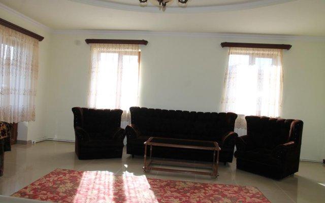 Отель Hayk House 10 in Tzahkadzor Армения, Цахкадзор - отзывы, цены и фото номеров - забронировать отель Hayk House 10 in Tzahkadzor онлайн комната для гостей
