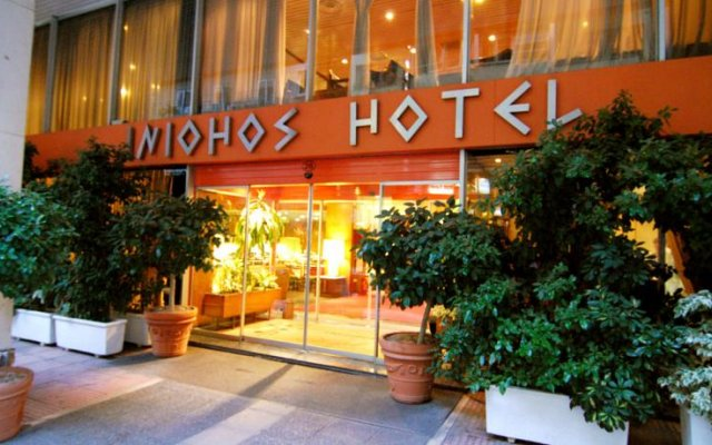 Отель Iniohos Hotel Греция, Афины - 3 отзыва об отеле, цены и фото номеров - забронировать отель Iniohos Hotel онлайн вид на фасад