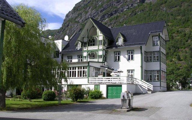 Hjelle Hotel вид на фасад