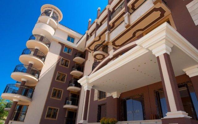 Отель Golden Rainbow Beach Aparthotel Солнечный берег вид на фасад