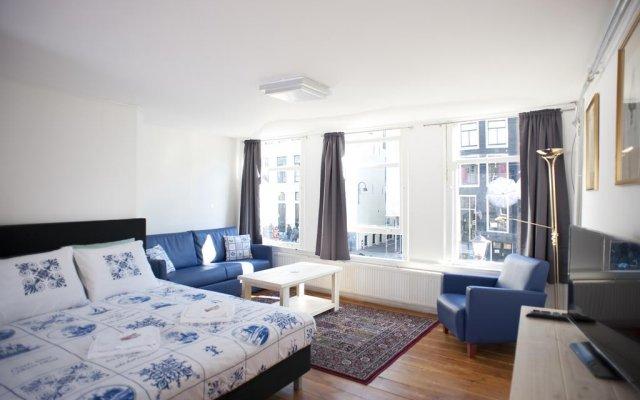 Отель Red & Breakfast комната для гостей