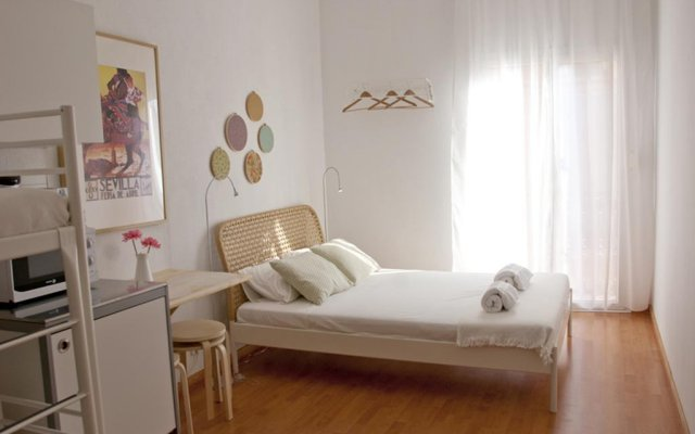 Отель Bed And Beach Barcelona Guesthouse Барселона комната для гостей