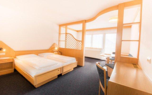 Отель Familienhotel Viktoria Монклассико комната для гостей