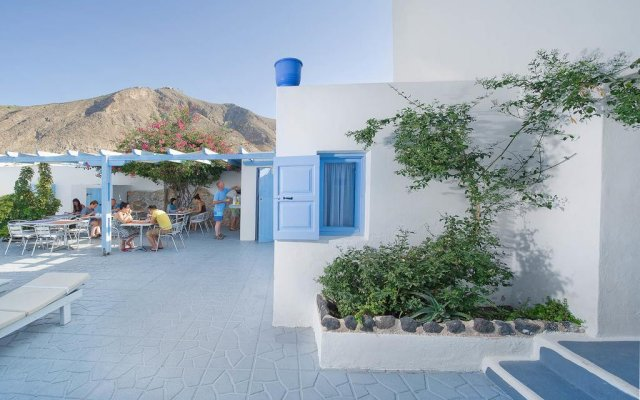 Amelie Hotel Santorini вид на фасад