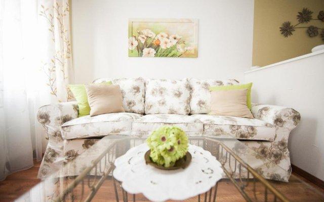 Апартаменты Traditional Apartments Vienna TAV - Entire комната для гостей