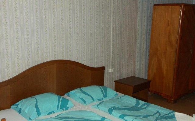 Апартаменты Sunny Side Apartments комната для гостей