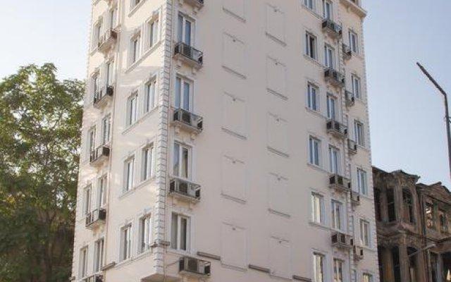 Hotel Grand Liza вид на фасад