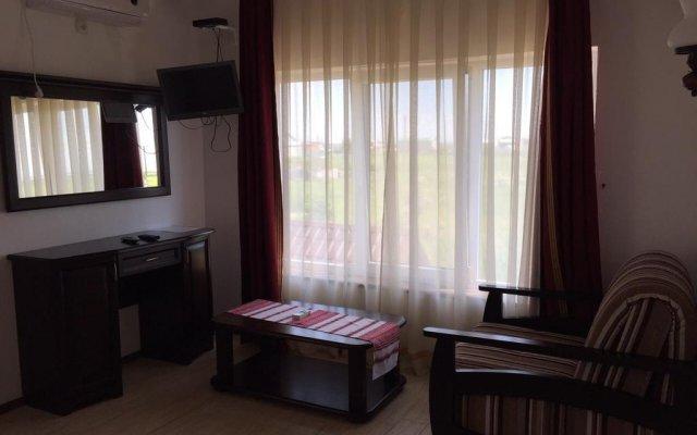 Отель Dikanka Бердянск комната для гостей